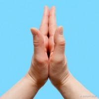 Điều kỳ diệu gì sẽ đến với cơ thể khi nắm tay theo những cách này?
