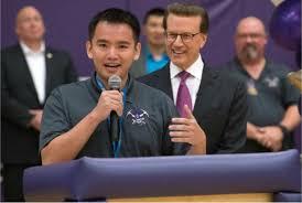 Thầy giáo gốc Việt tại Las Vegas được chọn trao giải thưởng $25,000